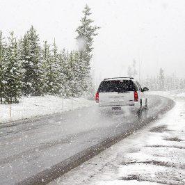 Συμβουλές για οδήγηση στο χιόνι, τι πρέπει να γνωρίζουν οι οδηγοί